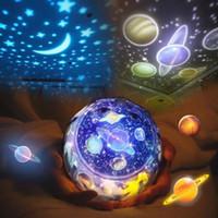 lua estrelas luzes led venda por atacado-Luz Da Noite LEVOU Céu Estrelado Estrela Mágica Lua Planeta Lâmpada Do Projetor Cosmos Universo Luminaria Luz Do Berçário Do Bebê Para O Presente de Aniversário