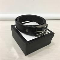 cinturones de regalos de empresa al por mayor-Cinturones de diseño Cinturones de diseño para hombre Cinturones de cuero genuino Cinturones de negocios Cinturón de lujo Correa negra Hebilla grande de oro Cinturón de regalo para mujer con caja