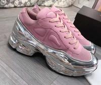 yeni kat ayakkabıları toptan satış-2019 yeni moda kaplı womens tabanı yansıtıcı Ozweego renkli degrade içi boş Raf Simon kadınları rahat ayakkabı c16 ayna