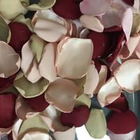 rote rosenblätter für hochzeiten großhandel-Romantische Weinrot Rosa Pfirsich Champagner Satin Blütenblätter Für Hochzeiten Weiche Blumenmädchen Rosenblatt 100 teile / los