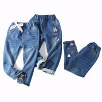 elastische jeans für mädchen groihandel-Kinder Mädchen Cartoon Jeans Kinder Hosen Ostern Tag Elastische Jeans Kaninchen Regenbogen Stickerei Bogen Elastische Taille 6