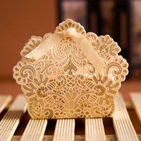 ingrosso scatole di bonbonniere-100pcs / lot liberano il trasporto Stile europeo Scava fuori la scatola di cerimonia nuziale del merletto Contenitore di regalo di caramella contenitore di bomboniere del contenitore di regalo di cerimonia nuziale