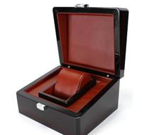 часы ящики для хранения древесины оптовых-Роскошный деревянный ящик для часов сертификат топ подарок ювелирные изделия браслет коробки дисплей черный спрей краска чехол для хранения подушка