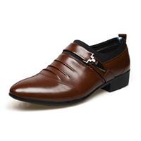 ingrosso scarpe da bulldozer-Fashion PU Leather Men Dress Shoes Scarpe a punta Bullock Oxfords Scarpe da uomo Slip On Designer Luxury Plus Size 45
