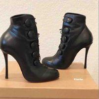 черная кнопка красные ботинки оптовых-Мода Luxe Lady Booton черный натуральная кожа Красный Донные Boots Кнопка ботильоны на высоком каблуке ботинка Fit Свадебные платья партии вечерние туфли