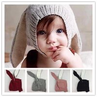 orejeras infantiles al por mayor-Ins bebé del conejo del oído Caps oídos largos lindos sombreros hechos punto del ganchillo infantil conejo orejeras 4 colores Bebés otoño invierno sombreros orejeras calientes