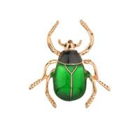 ingrosso spille spille beetle-Moda oro lega spilla per gli uomini scarafaggi spille retro insetto spille coleotteri maggiolino spilla accessori pin b196