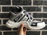 botas de encaje de cuero para mujer al por mayor-Retro arco ligero de los zapatos ocasionales respirables atan para arriba diseño Comfort bonitos zapatos de cuero del diseñador para mujer para hombre zapatillas de deporte al aire libre Botas