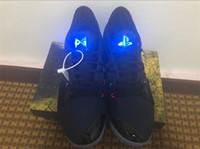 zapatos de baloncesto luminosos al por mayor-Zapatillas de baloncesto Paul George PG 2 II PG2 PlayStation All-Star Taurus March Madness Luminous Tongue Sports Sneakers Zapatos al aire libre