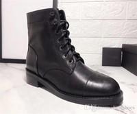 schwarze lackleder-schneeschuhe groihandel-Fashion Stiefel Damen-Designer-Schuhe Damen aus schwarzem Kalbsleder Ankle Boot aus Leder Schnürer Patent Martin Ankle Booties Cowboy Snow Boot US10