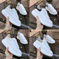 europa zapatos deportivos al por mayor-Europa y el alto de la versión de zapatos blancos Estados Unidos de cuero zapatos de plataforma plana de ocio deportivo hombres y mujeres gruesas MQ los zapatos de los amantes