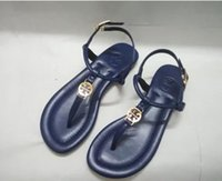 sandalias de marcas famosas al por mayor-2018 Nueva Moda Mujer Sandalias Marca Famosa Tanga Chanclas Mujer Verano zapatos sandalias de playa 3 tipo de cuero