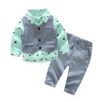 erkekler için rahat yelek toptan satış-Sonbahar Bebek Erkek Giysileri Setleri Sevimli Beyefendi Bebek Pamuk Yelek + Gömlek + Pantolon Suits 3 Adet Moda Rahat Çocuklar Çocuk Suits