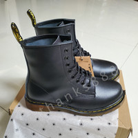 Wholesale hot women boots winter for sale - Group buy Top Quanlity Hot Brand Men s Boots Martens Leather Winter Warm Shoes Motorcycle Women Martin Ankle Boot Martins Fur Couple Oxfords Shoes