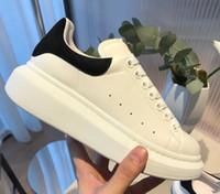 mens klasik deri elbise ayakkabıları toptan satış-Mens Womens Moda Lüks Rahat Klasik Ayakkabı Deri Platformu Sneaker Düz Hafif Konfor Rahat Elbise Kaykay Ayakkabı Sneakers