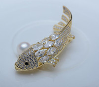 ingrosso pin di pesce d'oro-2019 New Fashion Spille Rhinestone di cristallo Cute Fish Brooch Pins Hollow Corpetto oro spille Decorazione di gioielli gioielli