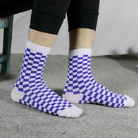trend kore toptan satış-Kore Funky Harajuku Eğilim Kadın Dama Tahtası Çorap Geometrik Damalı Çorap Erkekler Hip Hop Pamuk Unisex Streetwear Yenilik Çorap