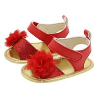 ingrosso primi camminatori rossi-I bambini del bambino del camminatore del bambino dei bambini del fiore del fondo di morbidezza rosso del foglio di gomma rosso di estate primi camminano le scarpe sk617