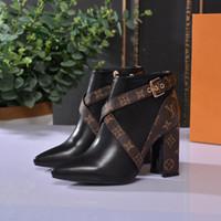 hebilla de cinturón bota tacones altos al por mayor-Botas femeninas de cuero real con hebilla de cinturón, zapatos de mujer, botas impermeables de moda, tacones altos de alta calidad