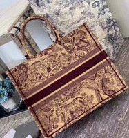 Wholesale navy printed handbags for sale - Group buy New ladies large capacity handbags Paris designer handbags fashion retro ethnic style canvas handmade embroidery pattern shopping bag