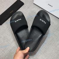 zapatos de goma de moda para hombres al por mayor-2019 Alta calidad Diseñador de lujo Hombres Verano Sandalias de goma Zapatillas de playa Deslizadores de moda Zapatillas de interior Tamaño de zapatos EUR 36-46 Con estuche