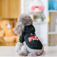 sudaderas extra grandes para perros al por mayor-Mascota ropa para perros Sweate Winter Dog Plus terciopelo sudadera carta moda impresión perro abrigo animal foto ropa de perro fábrica al por mayor