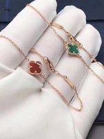 créateurs de bijoux de pierre gemme achat en gros de-Bracelets de luxe 18k trèfle bracelets pierres précieuses blanches charme bracelets femmes marque bijoux designer cadeau pour petite amie femmes c61