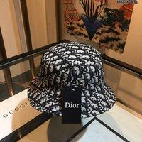 sombreros fedora rojos al por mayor-2020 de alta calidad con la caja populares nuevas mujeres la letra de impresión de la lona del sombrero de ala gorras rojas sombreros de las señoras estilo europeo y americano