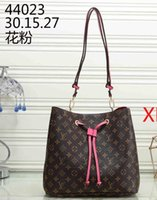 LOUIS VUITTON Lv Gucci SUPREME Women Envelope bags Clutch Chain Purse  Lady Hand bag Shoulder girl Hand Bag AQ01 6b7209caebd50