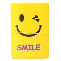 3d passporthalter großhandel-Smile 3D-Gesicht Reisepasshülle Kartenhalter Kunstleder Unisex-Reisekarten Lagerung kurze Geldbörse