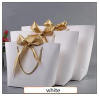 ingrosso dimensione carta libro-Scatola regalo d'oro di grandi dimensioni per pigiami Vestiti Libri Confezioni d'oro Borsa di carta con manici Kraft Sacchetto regalo di carta con manici Dec Y19070103