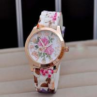 конфеты из цветного желе оптовых-Новые Женевские наручные часы Женские наручные часы Flower Luxury Женевские часы Силиконовые желе Candy Rose Gold Blossom Кварцевые часы Спортивные часы