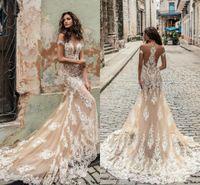 escote profundo vestido al por mayor-Julie Champagne Vino vestidos de novia 2020 Hombro profundo hundimiento de Vestidos de novia escote tren de barrido de novia de encaje vestido por encargo