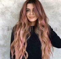 larga peluca rizada natural al por mayor-Pelucas de las mujeres Ombre Natural Pelucas de cabello largo y ondulado de color rosa Pelucas sintéticas Fibra ondulada resistente al calor fibra negra ondulada cosplay