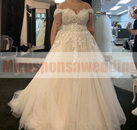 Wholesale plus size ivory romantic dress resale online - Romantic A Line Tulle Plus Size Wedding Dresses with Sleeves Sweetheart Lace Applique Big Wedding Dresses Buttons Up Bridal Gowns Online