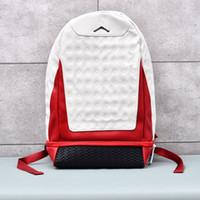 boucle de sacs à dos achat en gros de-Sac à dos de sport en plein air pour hommes et femmes de mode décontractée A 13 J designer blanc rouge en cuir sécurité boucle sac à dos