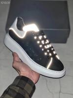 zapatillas de boda para hombre al por mayor-2019 diseñador de lujo de los hombres zapatos casuales baratos mejor para mujer de los hombres zapatillas de deporte de la boda zapatos iluminados zapatillas de deporte tenis
