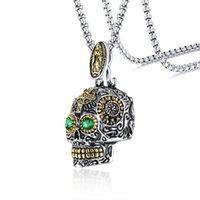 filigraner stein großhandel-Gotische Schädel-Anhänger für Männer Edelstahl Skeleton Filigree Crafts Green Stone Augen Punk Male Jewels