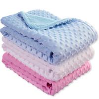 bebek battaniye peluş toptan satış-Bebek Süper Yumuşak Battaniye Doug Battaniye Bahar Yaz Bebek Kabarcık Çift Kısa Peluş Holding çocuk Delik Kapak
