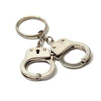 algemas venda por atacado-Algemas Forma Keychain SUP Chaves De Metal Fivela EDC Homens E Mulheres Saco Chave Anel Pingente de Presente de Aniversário 11 tx C1