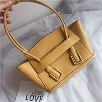 Wholesale crossbow bags resale online - Fashion star same bag small size catfish wing crossbow bag vintage armpit bag cm