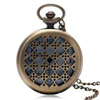 collar de punta hueca al por mayor-Reloj de bolsillo especial Hollow Tablero de ajedrez Dados Puntos Patrón Collar delgado Antiguo Reloj colgante Regalos únicos para amigos de la familia