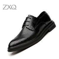 klassisches italienisches design großhandel-Neue Design Männer Sommer Kleid Schuhe 2018 Mann Flache Klassische Männer Geometrische Muster Leder Italienische Formale Oxford Schuhe