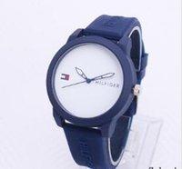 mavi altın bilezik toptan satış-Moda bayan saatler kadın erkek gül altın gümüş Silikon Kauçuk Çelik mavi Bilezik Saatı Marka kadın saat