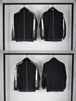 erkekler için asian ceketler toptan satış-Erkek ve Kadınlar Asya Boyut M-2XL için Mens Tasarımcısı ceketler Sonbahar Kış Kaban Harf Baskı Renk Siyah Lüks Ceket