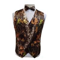 ingrosso immagini marrone della maglia-New Real Camo Wedding Gilet 2019 Groom Vest Tronco d'albero Foglie Primavera Camouflage Slim Fit Mens Gilet 2 pezzo set (Vest + Bow)