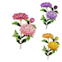 ayçiçeği korsajları toptan satış-Emaye Sarı Mor Pembe Krizantem Çiçek Broş Yeşil Yaprak Ayçiçeği Broş Takı Korsaj iğneler