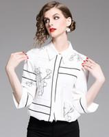 bluz elleri toptan satış-Yaka boyun El çizilmiş çiçekler baskılı beyaz kadın bluz 3/4 kollu moda yaz bayanlar gömlek