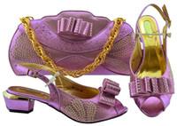 afrikanischen stil schuhe großhandel-Modische lila Dame Kätzchen Kleid Schuhe Match Handtasche Set mit Strass und Bowtie Art afrikanischen Schuhen und Tasche MM1080