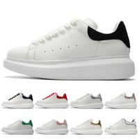 красная удобная обувь оптовых-Alexander Mcqueen Черно-белые платформы Классические повседневные спортивные ботинки для скейтбординга Мужские женские кроссовки Бархатные туфли на каблуках Спортивная обувь Теннис